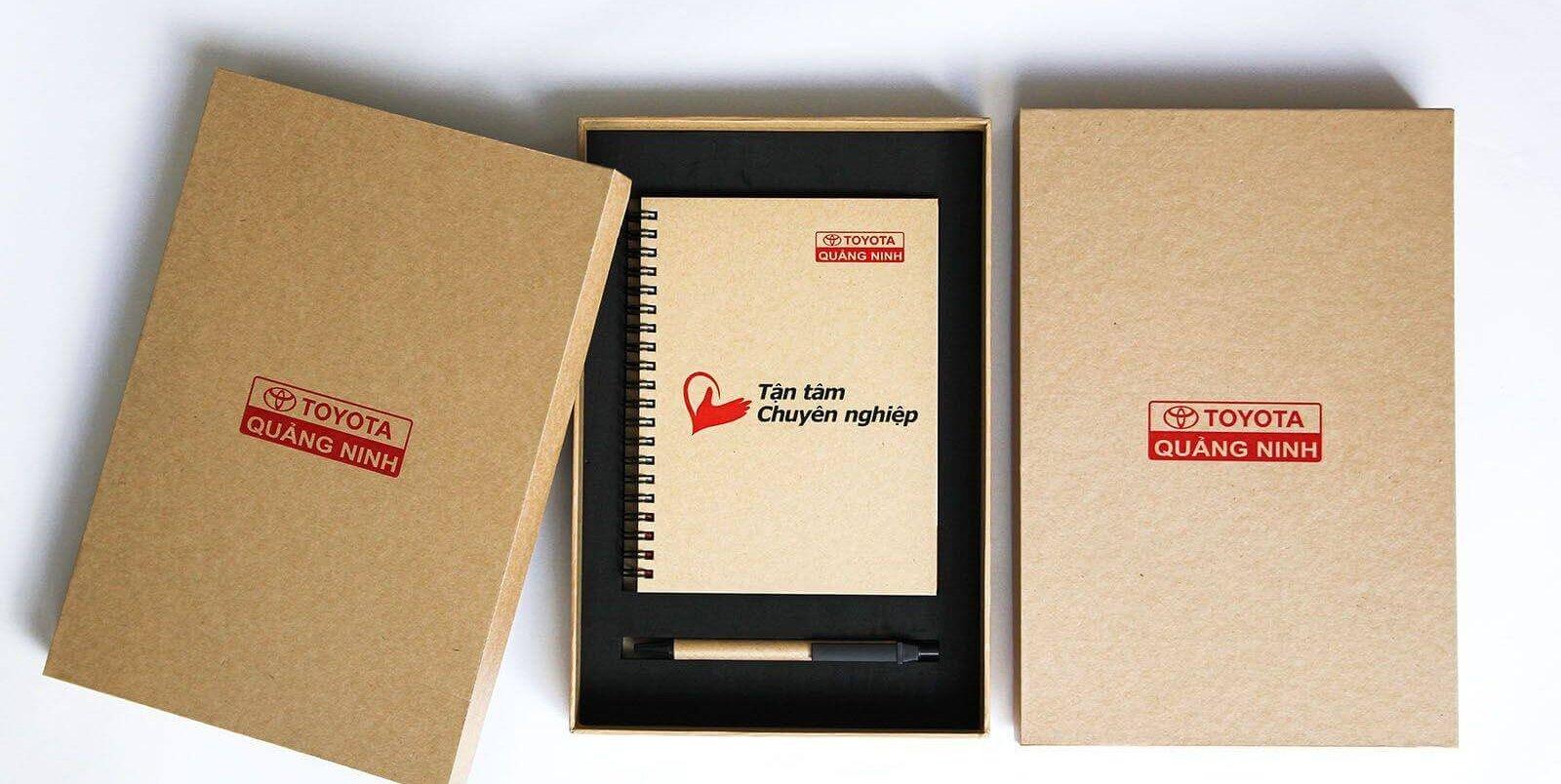 Lựa chọn chất liệu cho hộp đựng quà tặng